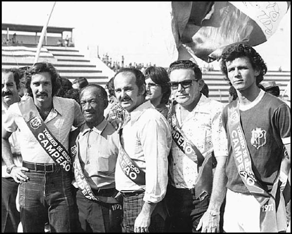 Minelli (ao centro) nos tempos de Rio Preto.
