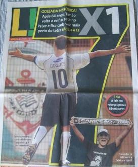 """A capa do jornal """"Lance!"""" do dia seguinte."""