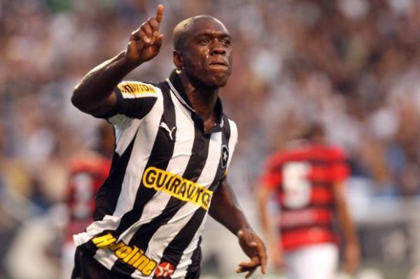 Com físico de garoto, Seedorf esbanjou categoria e bom futebol com a camisa do Botafogo. Pena que durou pouco...