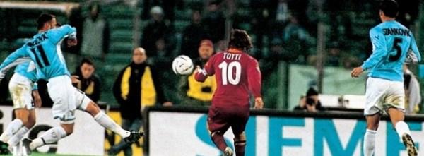 O golaço de Totti...