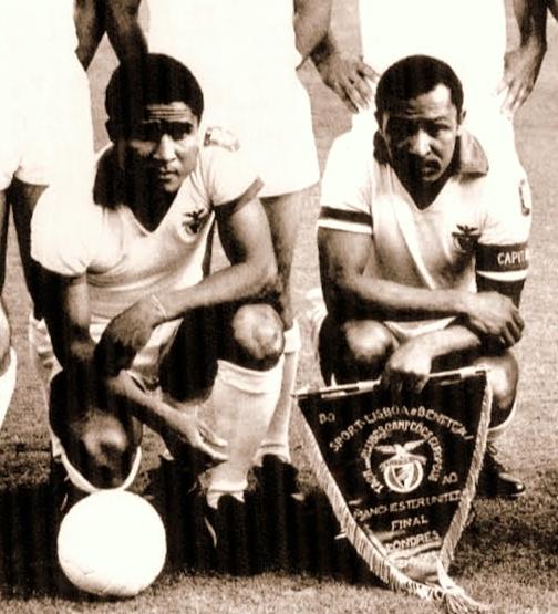 Eusébio e Coluna: duas das maiores lendas do futebol português em todos os tempos.