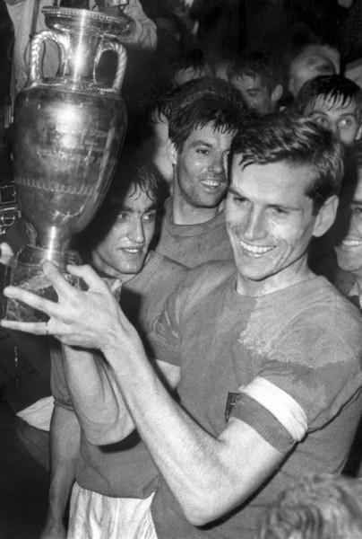 A volta por cima veio com o título da Euro de 1968.