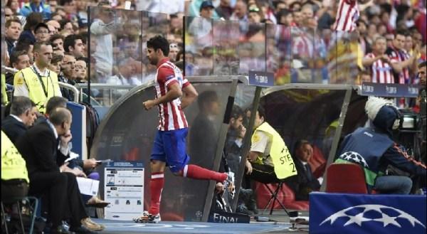 Diego Costa deixou o campo com menos de 10 minutos: perda sentida no ataque do Atlético.