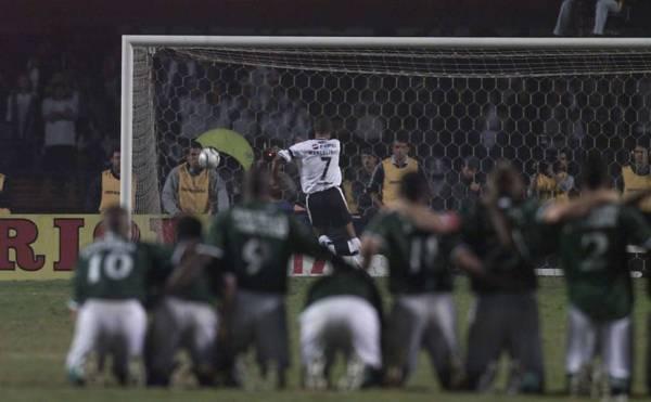 O pênalti de Marcelinho e a glória de Marcos: momento inesquecível para qualquer palmeirense.