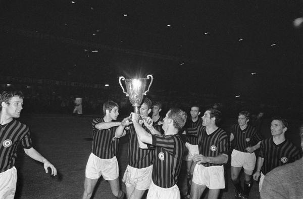 800px-Europacup_II_finale_1968_(2)
