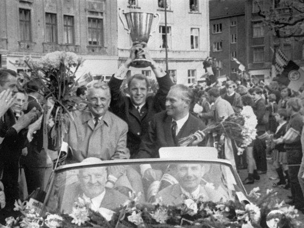 A festa pelas ruas alemãs.