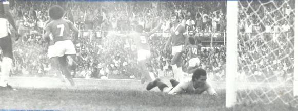 Palhinha Cruzeiro e Internacional-RS, válido pela Copa Libertadores da America 1976_ minei