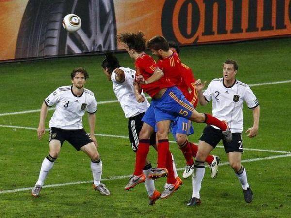Carles-Puyol-Tete_full_diapos_large