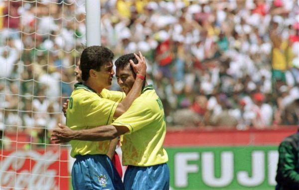 Bebeto e Romário: uma das maiores duplas de ataque da história da Seleção Brasileira.