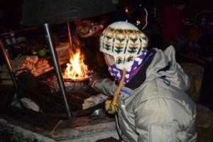 小屋の中(暖炉)