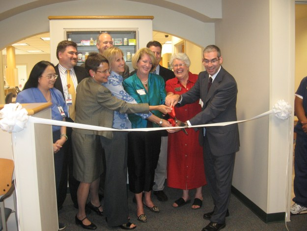 2007 Pecar Grand Opening Ribbon cutting color