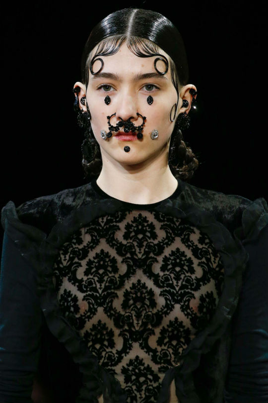 givenchy credit style 2