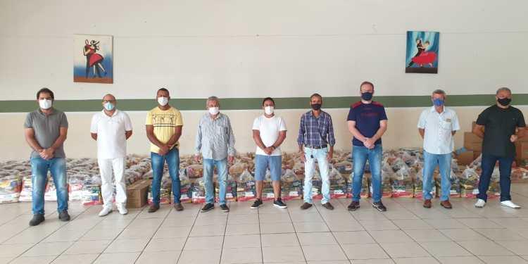 Vereadores de Parapuã organizam live com banda local e arrecadam seis toneladas de alimentos para famílias carentes