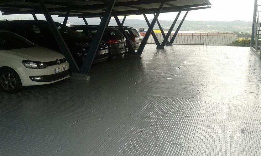 impermeabilització terrat exterior poliurea calenta vernís poliuretá impermeable transitable granollers valles