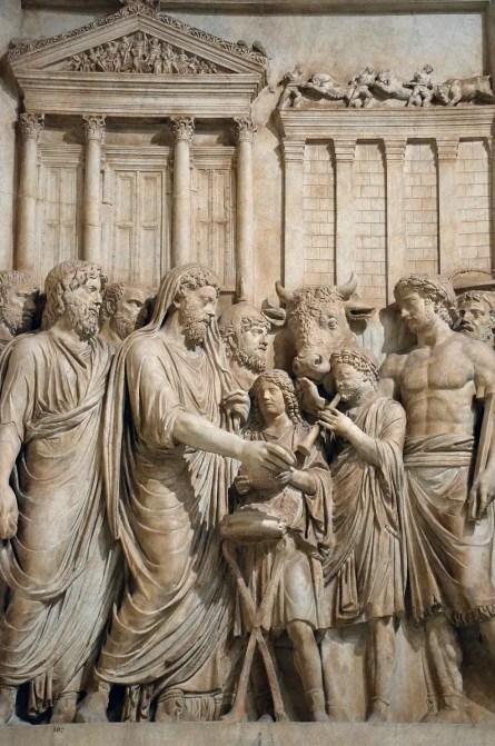 Relieve de Marco Aurelio como pontifex maximus durante un sacrificio.