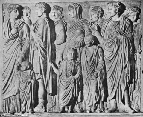 Relieve de una familia Romana -la de César Augusto.