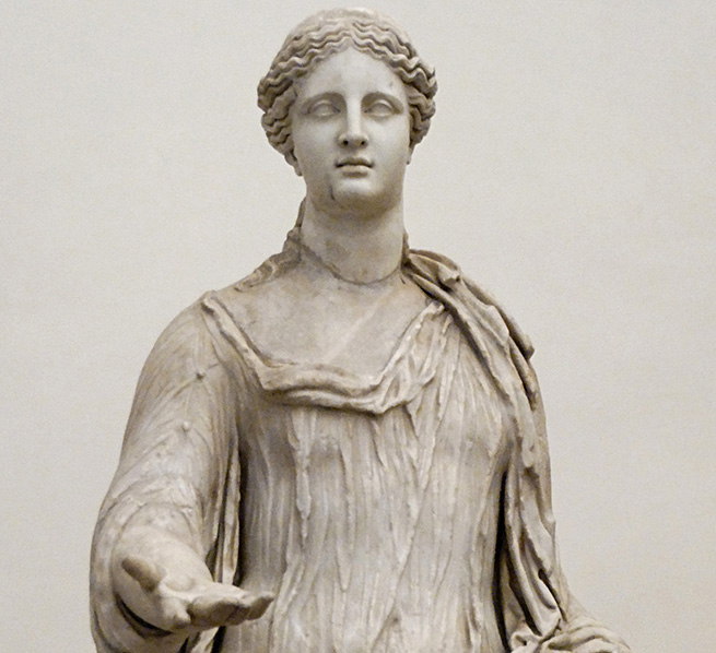 Estatua de la diosa Deméter.