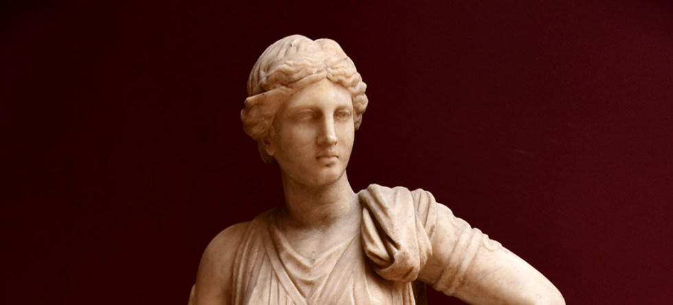 Estatua de la diosa Artemisa.