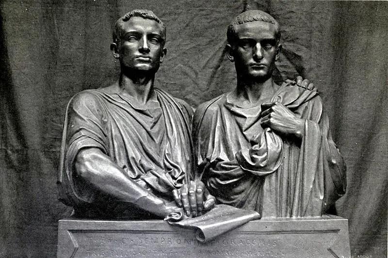 Escultura de los hermanos Graco