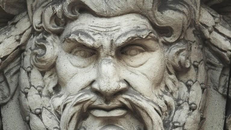 Rostro de uno de los dioses olímpicos.