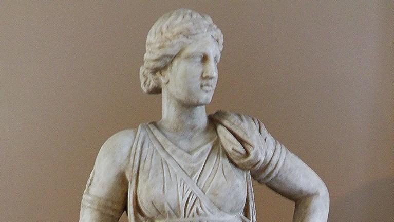 Detalle de una estatua de Artemisa.