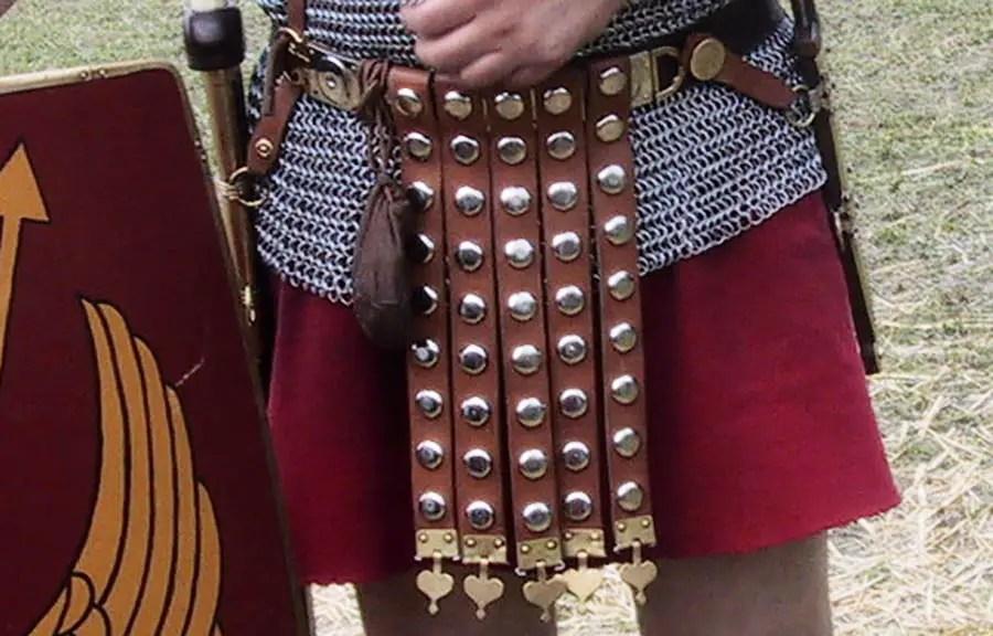 Reconstrucción de un cingulum militare romano.