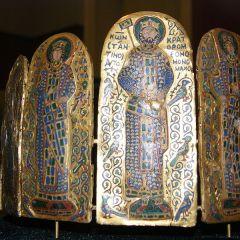 Zoe e Teodora, le sorelle Porfirogenite