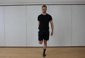 Übung zur Dehnung des Beinstreckers