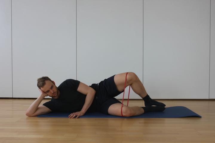 Übung zur Stärkung der externen Hüftrotation Endposition