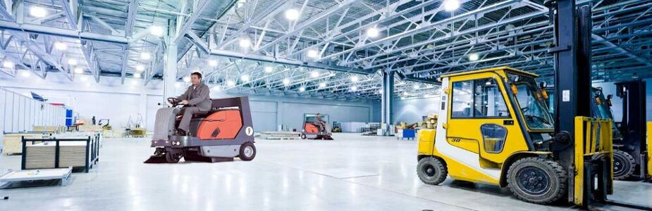 Trattamento superfici per capannoni industriali con Anna Service: la tua pulizia professionale a portata di mano