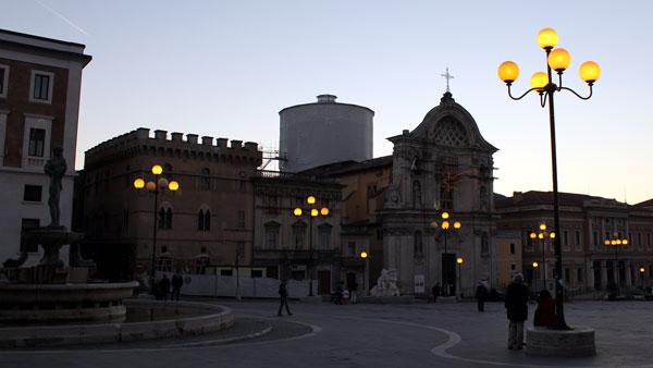 Amedeo  Esposito, L'Aquila: il bene perduto