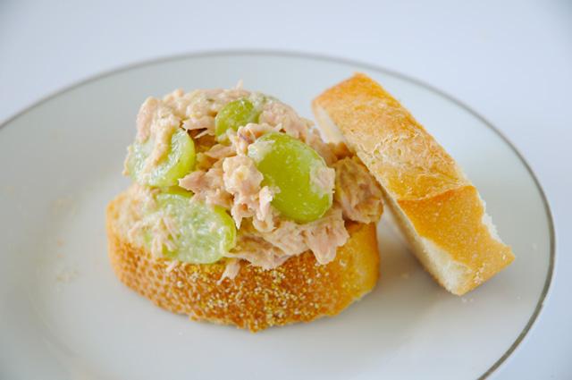 Grapes and Hummus Tuna Salad Sandwich