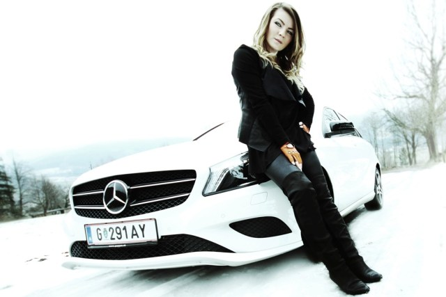 women.ice.experience_2014_thomatal_pappas_mercedes benz