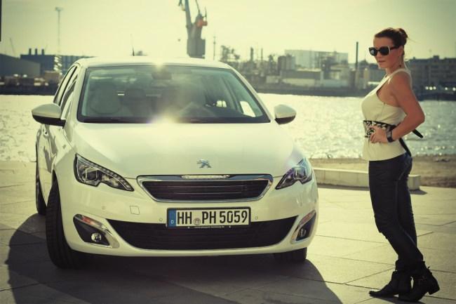 new peugeot 308 _ car of the year 2014 _ hamburg _ white (6)