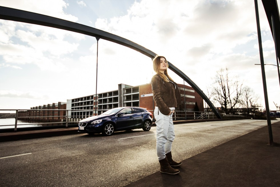 Volvo V40 D4 _ OceanRace _ blau _ Fashion Editorial _ Hamburg 2015 (2)