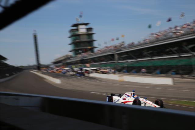 Este año, los pilotos tendrán menos de 30 horas disponibles de práctica antes de la Indy 500 (FOTO: Mike Finnegan/IMS Photo)