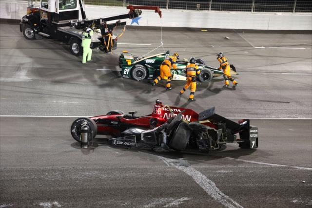 Solo seis autos terminaron en la vuelta del líder (FOTO: Chris Jones/INDYCAR)