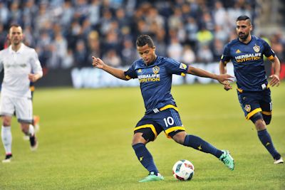 Giovanni dos Santos and the LA Galaxy played against Kansas City on May 1, 2016
