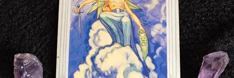 Off With His Head Already: Valor Of A Queen ~ Tarot for 19 April 2017