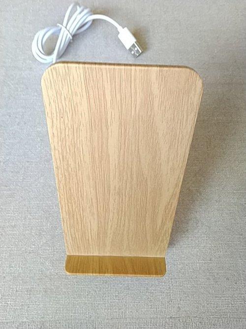 Qi対応木目調ワイヤレス充電スタンド外観