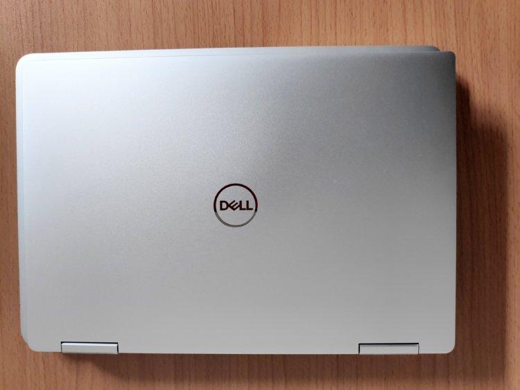XPS 13 2-in-1とMacBook Pro13インチとのサイズ比較