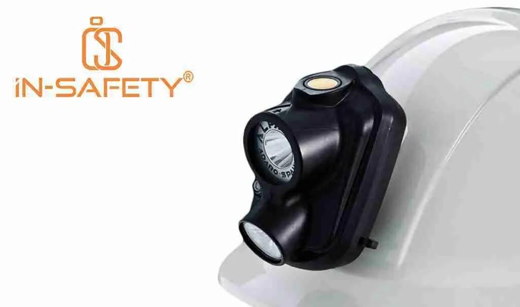 Una delle lampade ATEX di ADALIT maggiormente utilizzate in miniera e tunnel, applicata sul frontale dell'elmetto.