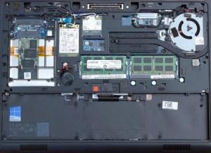 Laptop belseje