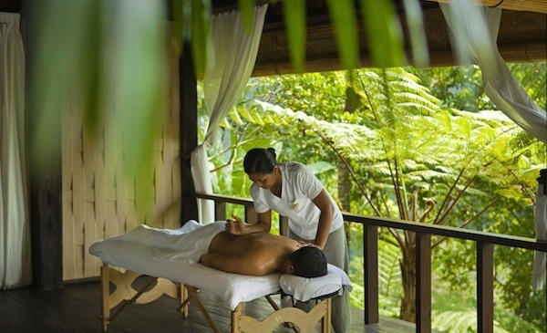outdoor-spa-massage-ubud-como-shambhala-estate-review