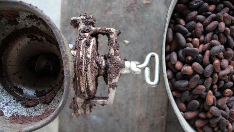 Bali-chocolate-making
