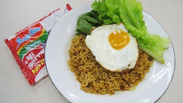 Indo-mie-instant noodles.jpg