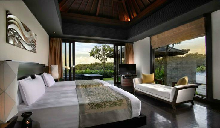 bali villa investment: luxury bedroom
