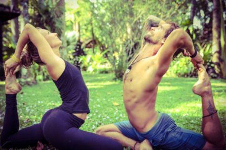 Valentine's Day partner yoga workshop at Inspiro Yoga, Bali