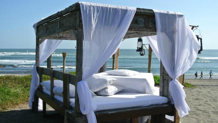 Beachside luxury at Hotel Tugu Bali