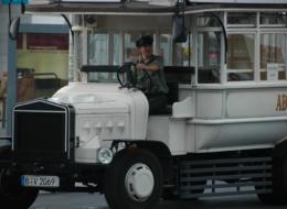 stadtrundfahrt-berlin-oldtimer-bus